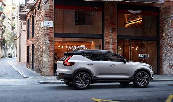 The New Volvo XC40 Makes a Bold Statement (video)