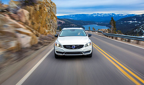 Model Overview: 2015.5 Volvo V60 Cross Country
