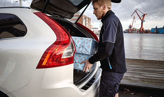 Volvo Pilots In-car Delivery in Sweden