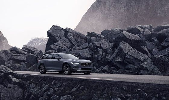 Volvo Cars introduces refreshed S90 and V90 models, mild hybrid powertrains across entire line-up