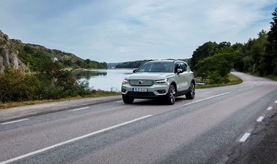 Volvo Cars safety: use technology to support drivers