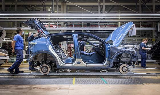 Volvo Cars starts production of C40 Recharge