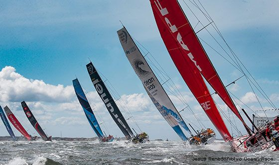 Early advantage to Dongfeng Race Team
